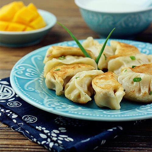 针菇芹菜煎饺