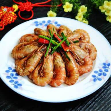美味的葱姜啤酒炒毛虾