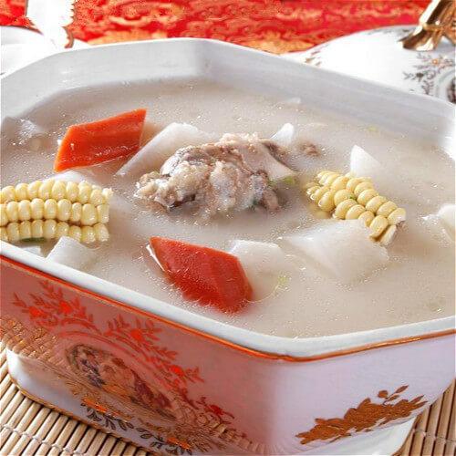 羊排煲萝卜汤
