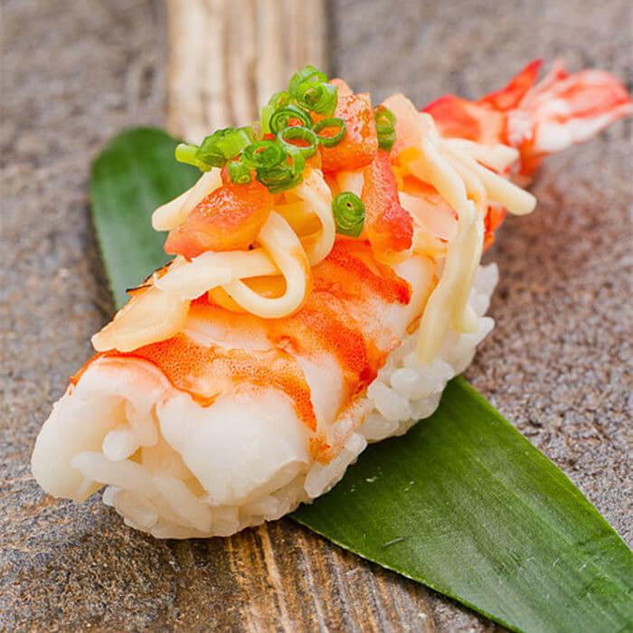 好吃的鲜虾肉松寿司