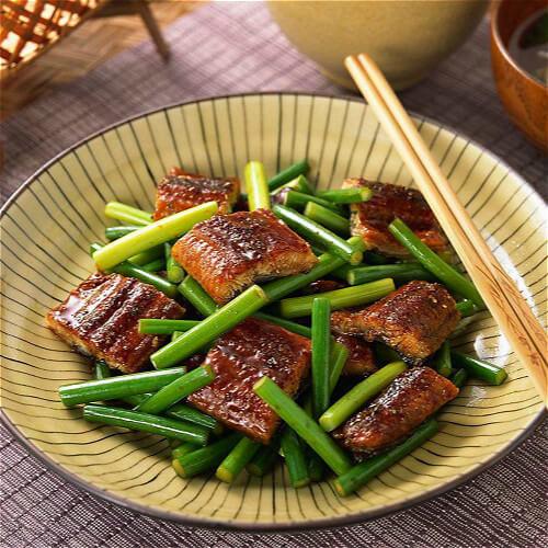 蒜苗焖鱼肉
