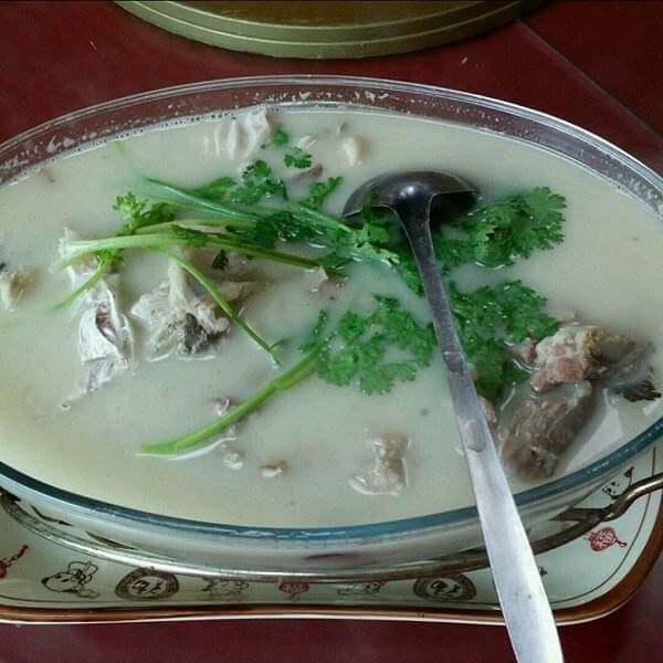 杂蔬鱼头汤