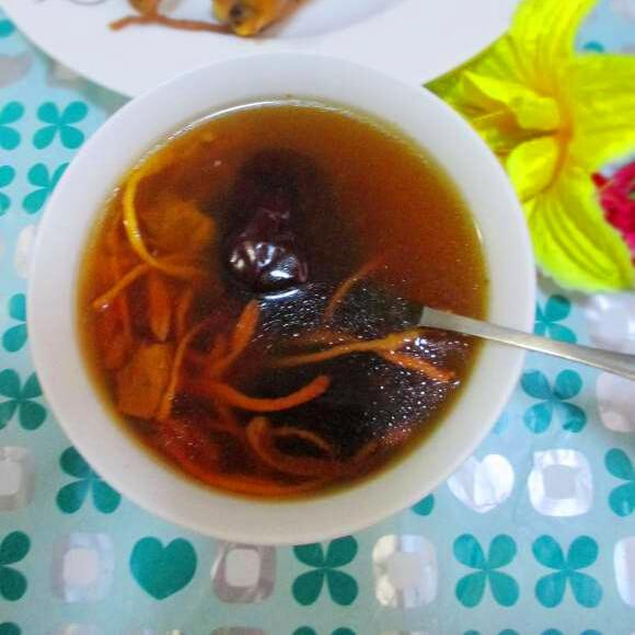 虫草花煲鸭汤