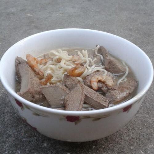 猪肝虾干煮面汤