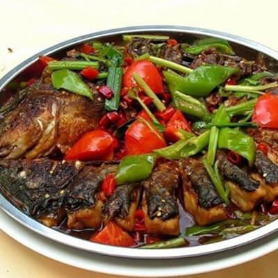 美味的红薯叶子煮嫩子鱼