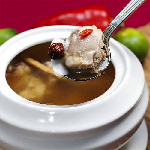 养生的老椰煲鸡汤