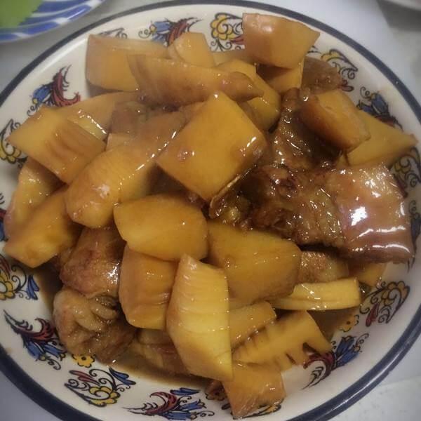 腩肉焖土豆