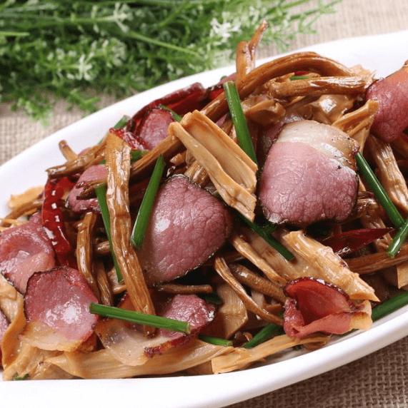 自制笋干炒熏腊肉