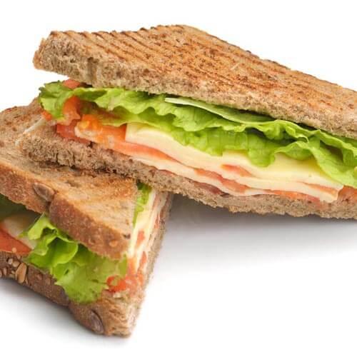 土司牛排三明治