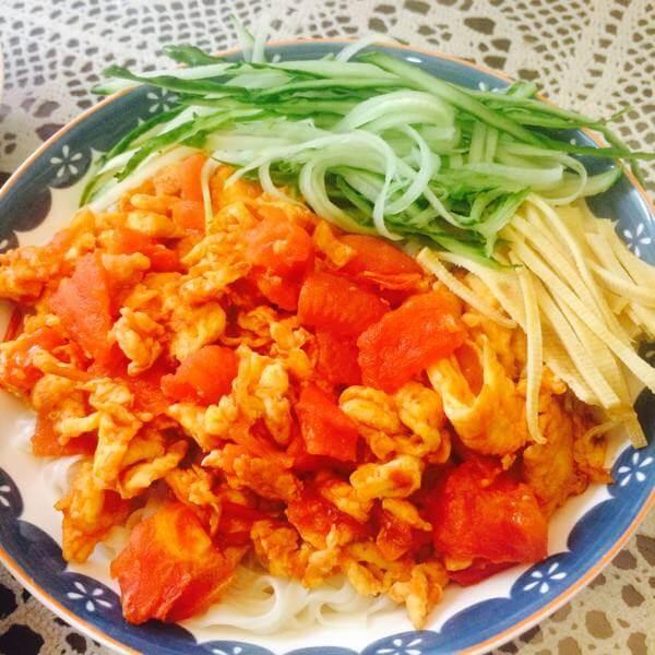 美味的西红柿鸡蛋打卤面