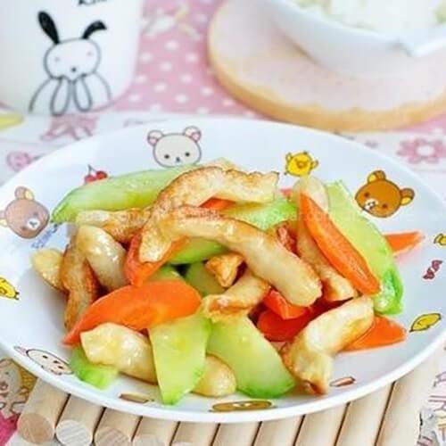 青椒炒鸡肉肠