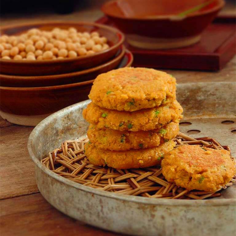 美味的松仁豆渣饼