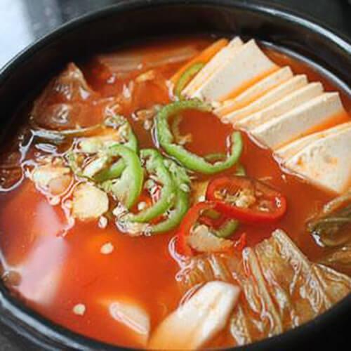 泡菜年糕豆腐汤