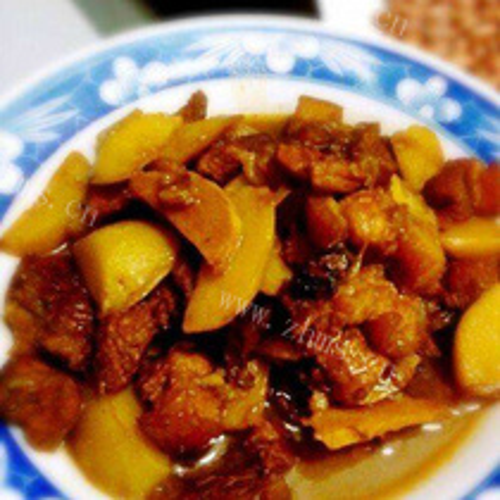 马铃薯焖肉片