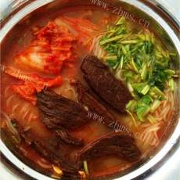 好吃的辣白菜金枪鱼汤