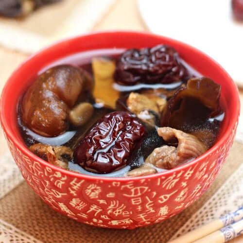 香菇墨鱼猪肉汤