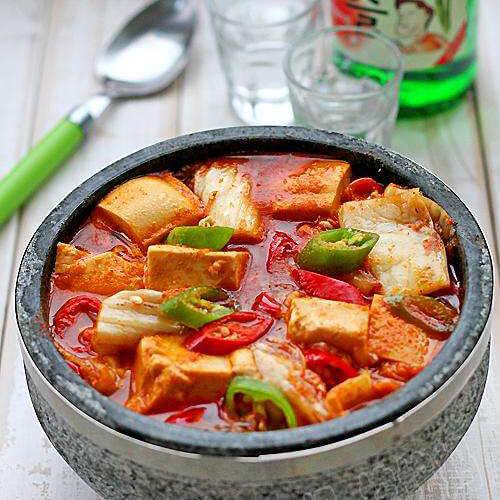 韩国辣白菜大酱汤