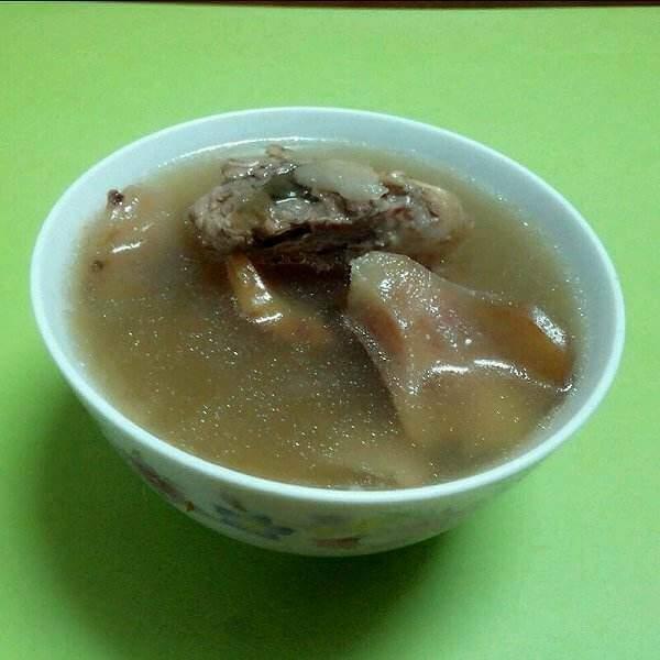 美味土茯苓鸡骨草清肝汤