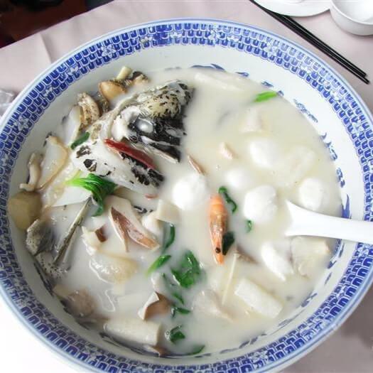 杂锦鱼头汤