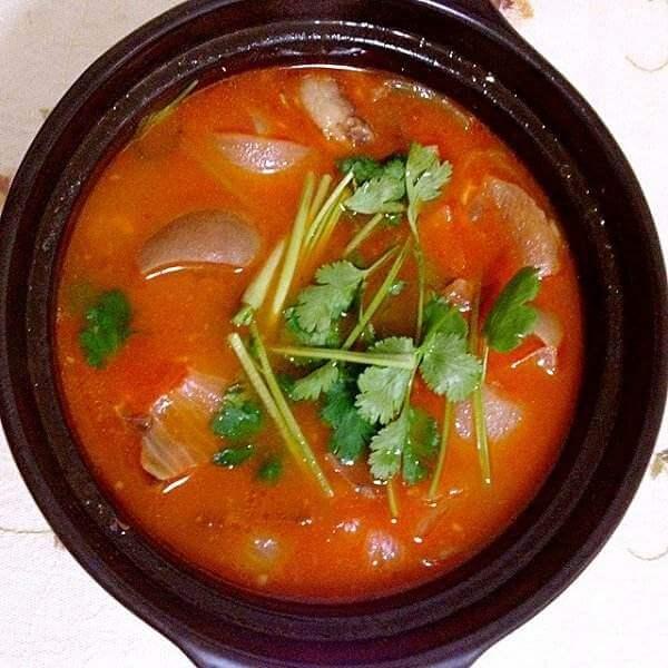 特色韩国辣牛肉汤