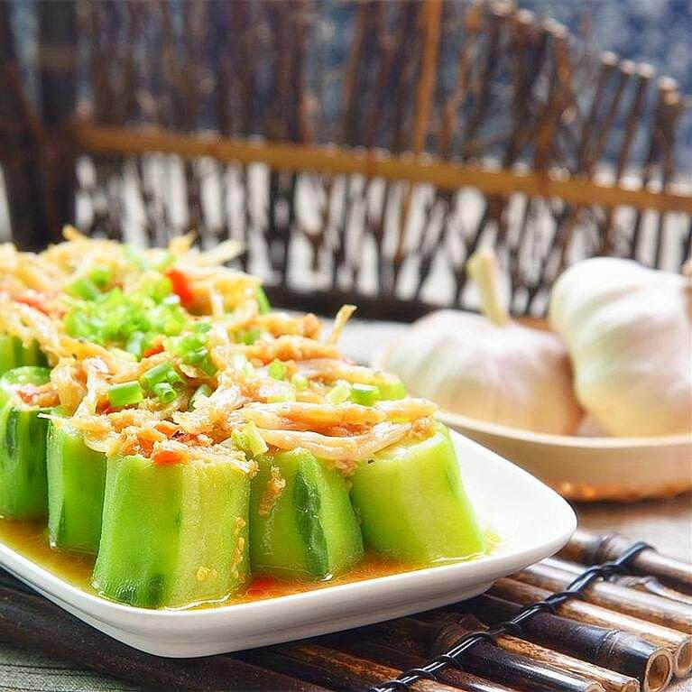 鲜美的丝瓜银鱼汤
