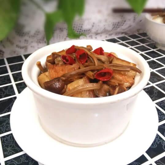 茶树菇焖五花肉