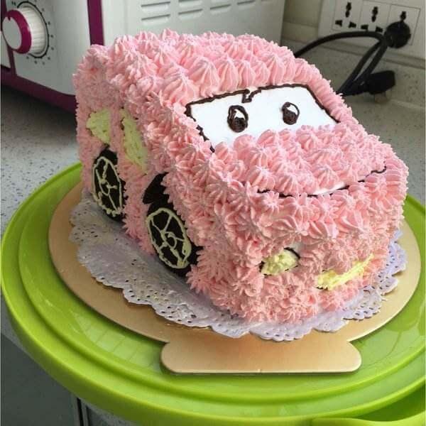 6寸粉色小汽车蛋糕