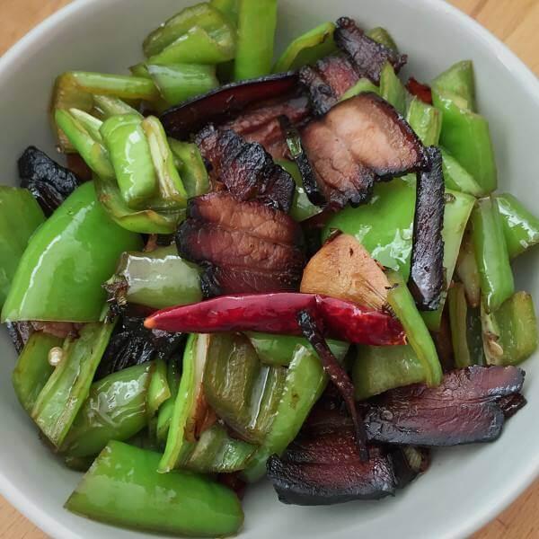 青椒炒五花腊肉