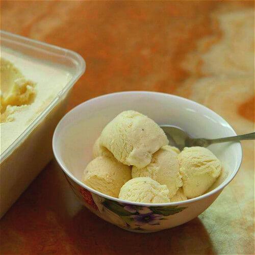 美味的香蕉牛奶雪糕