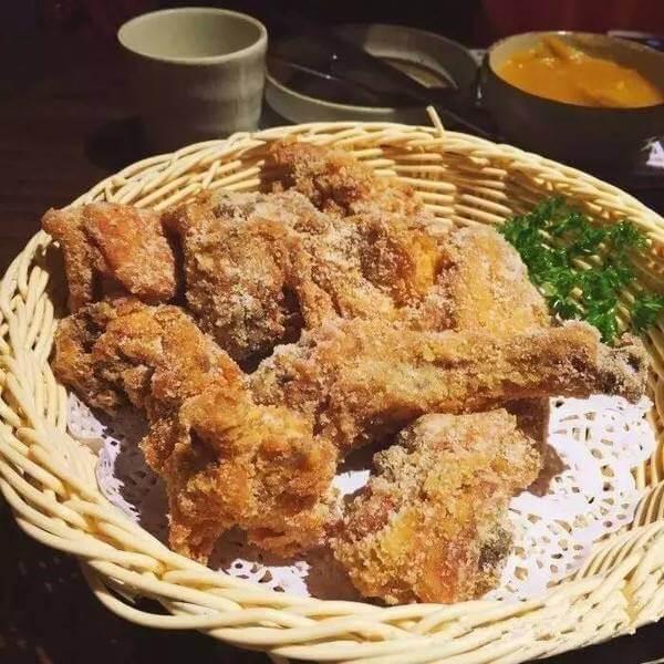 特色美食韩式奶酪炸鸡