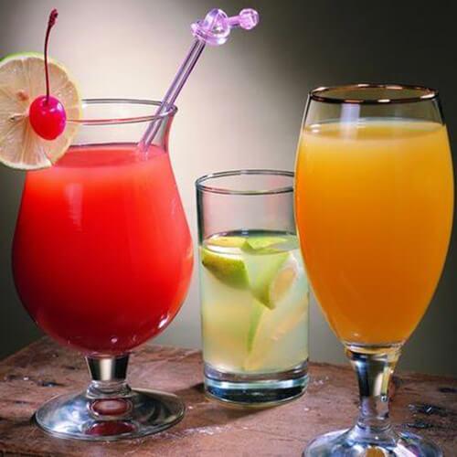 夏季猕猴桃苹果砂糖橘汁