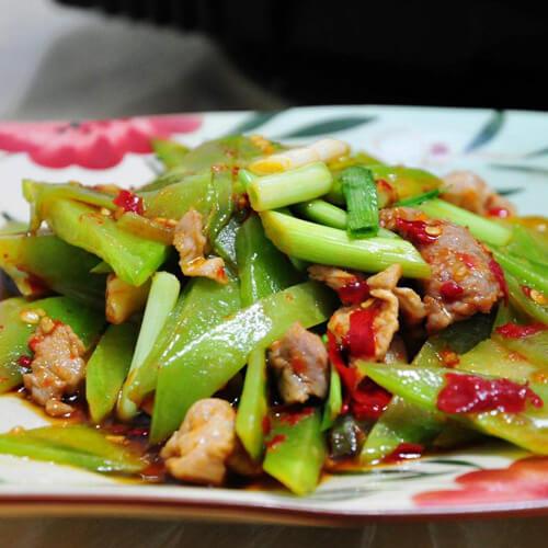 葱炒莴苣片