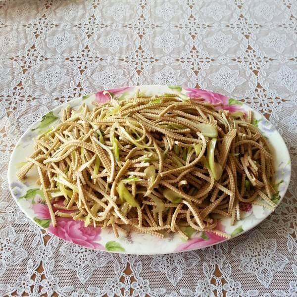 金针菇拌豆腐丝