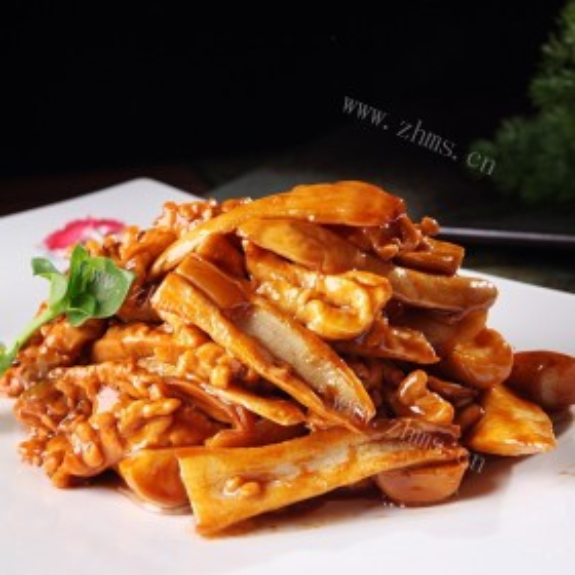 鸡腿菇炒土豆条