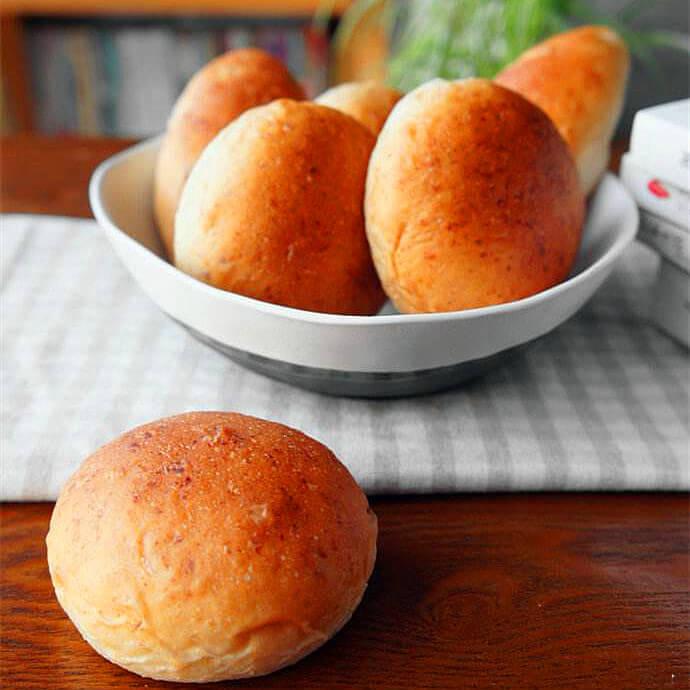 美味小麦胚芽热狗面包