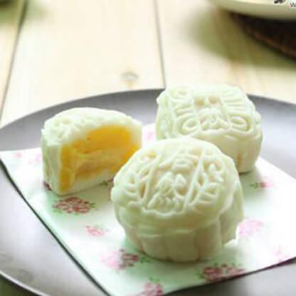 自制榴莲冰皮月饼