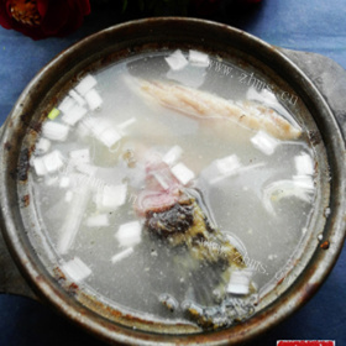 石斑鱼鱼骨汤