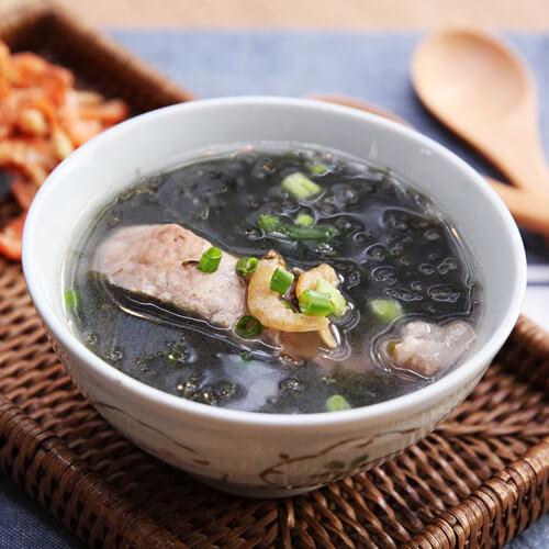 白萝卜紫菜虾皮汤