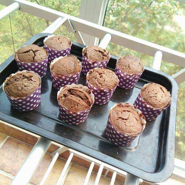 香甜可口的巧克力蛋糕杯