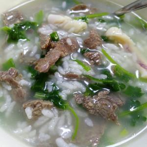 营养鸡毛菜牛肉粥