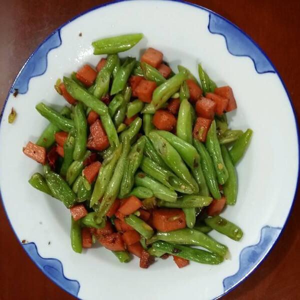 火腿肠炒豆角