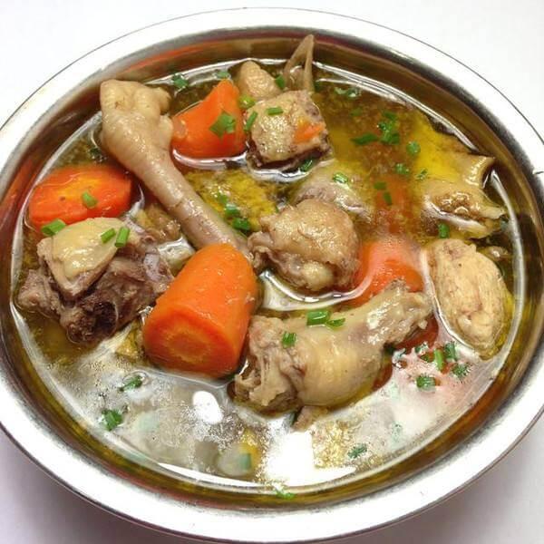 土鸡菌菇芋头煲