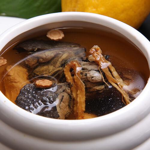 红枣薏米乌鸡汤
