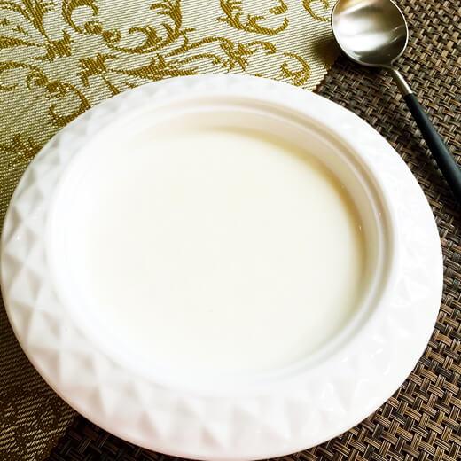 香甜嫩滑的牛奶核桃蒸蛋