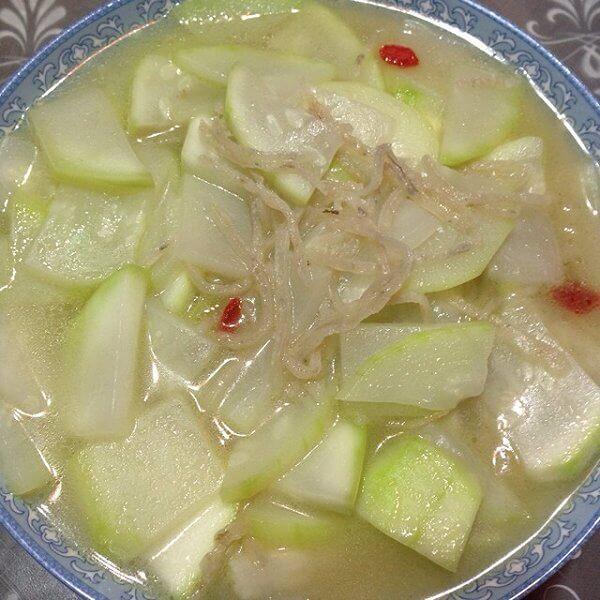 葫芦煮鱼汤