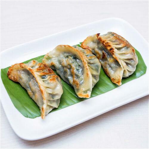 美味的芹菜牛肉煎饺