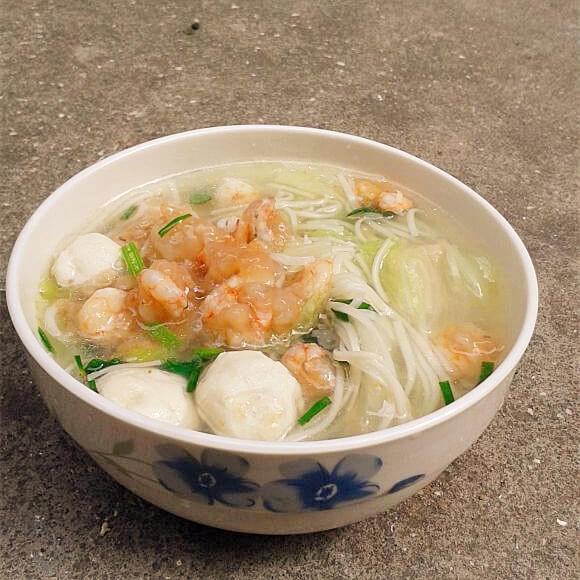 好吃的虾仁煮面汤