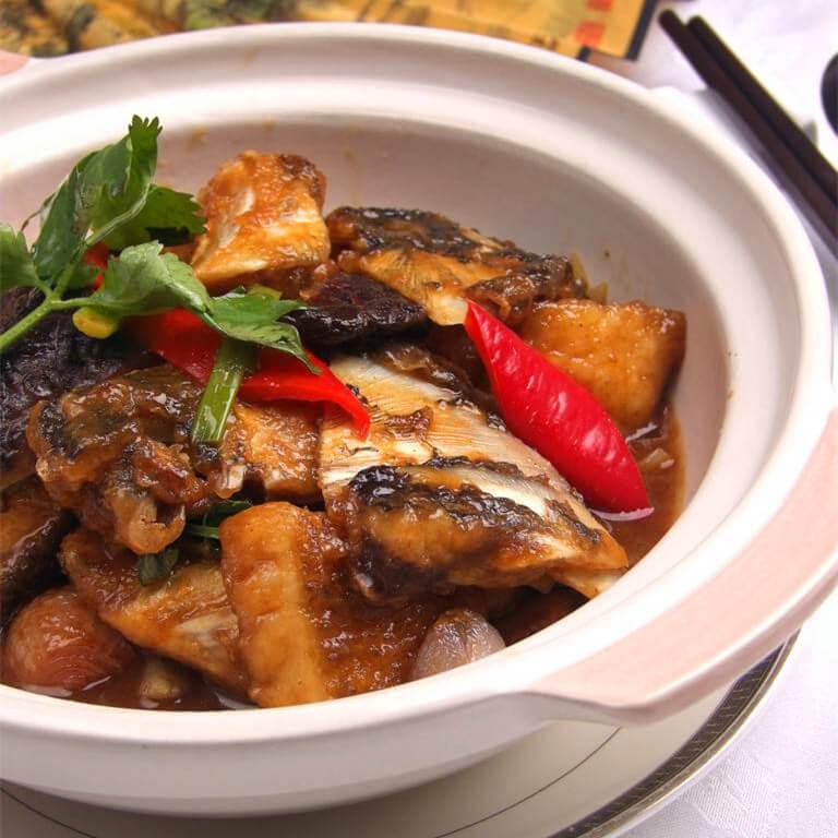 红烧鱼头煲