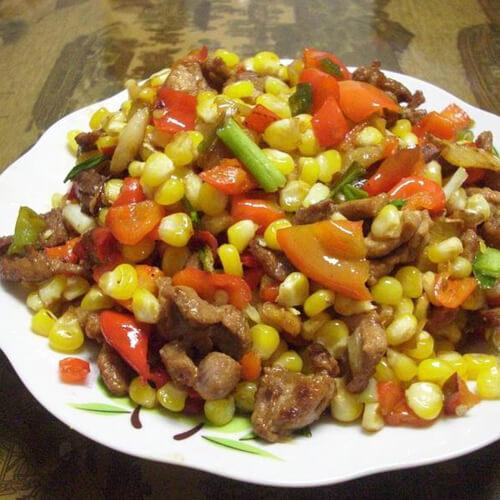 胡萝卜玉米粒炒鸡肉