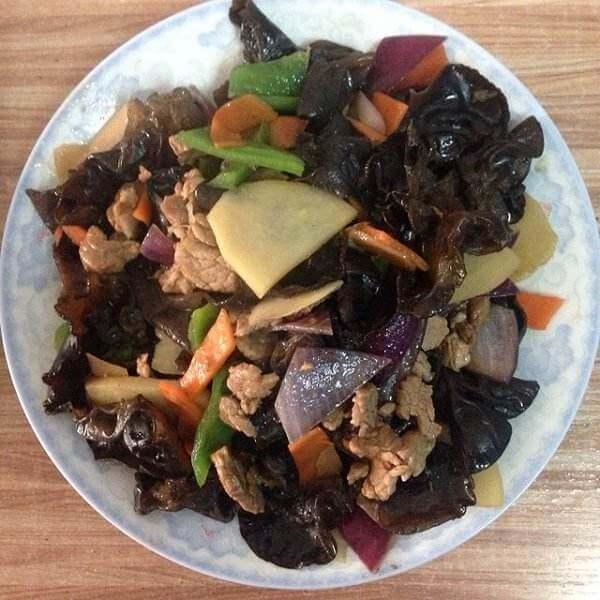 木耳香菇炒肉